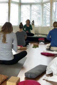 Yin Yoga met Maneesha bij Saktiisha Yoga Centre
